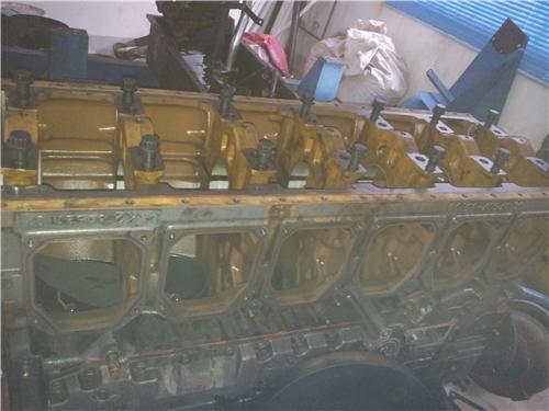 三菱R16柴油发动机缸机体总成