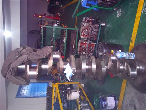 三菱R16柴油发动机曲轴